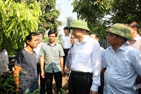 Phó Thủ tướng Vũ Văn Ninh kiểm tra việc xây dựng nông thôn mới tại Hưng Yên