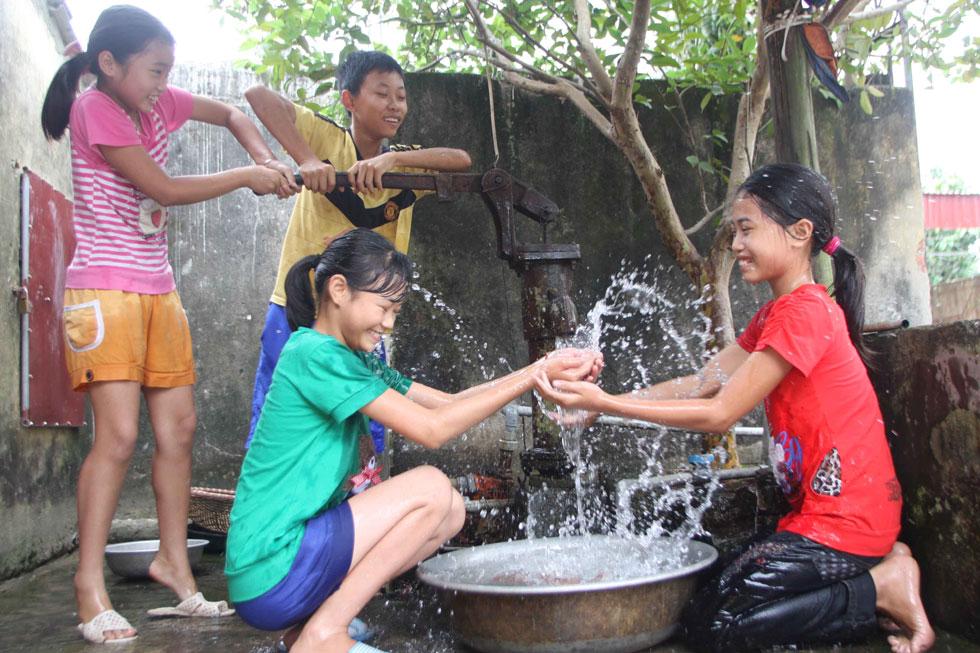 Bình Định: Phấn đấu 93% dân số nông thôn được sử dụng nước hợp vệ sinh