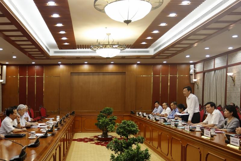 Bộ Chính trị làm việc với 21 Đảng bộ về chuẩn bị đại hội nhiệm kỳ 2015 - 2020